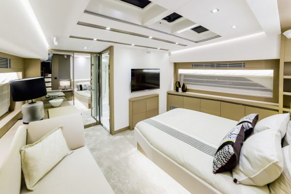 Yacht renting services